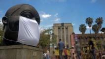 Colombie : des sculptures de Botero équipées de masques contre la pollution