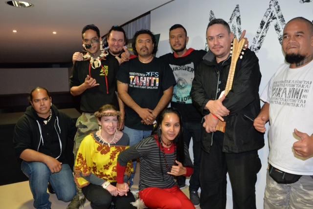 Takanini : Le groupe marquisien Takanini était présent au Quai Branly. A ce jour, ils n'ont pas pu collecter assez de fonds  pour financer leur tournée en France.