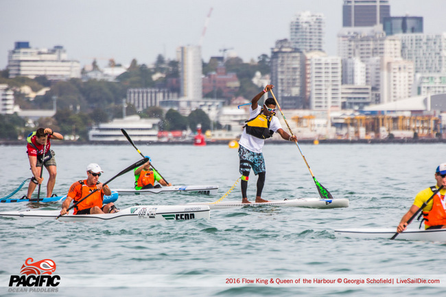 Auckland King of the Harbour : Niuhiti Buillard 1er en SUP et Hiromana Flores 9ème en surfski