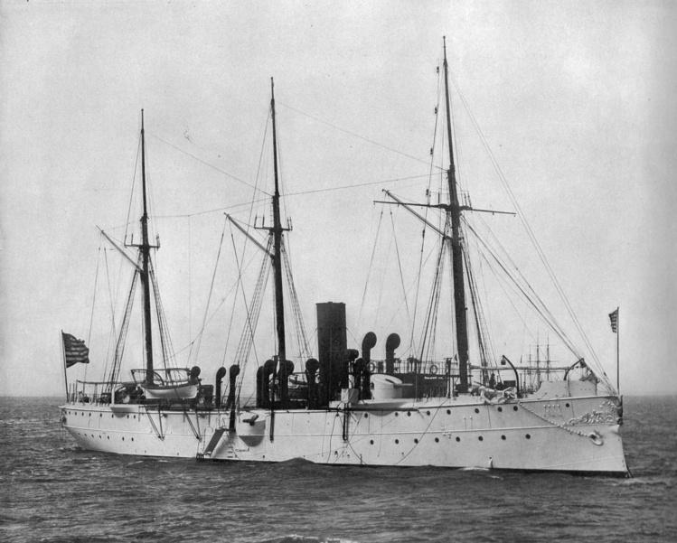Le bâtiment USS Yorktown, de la Navy, qui sauva les derniers oubliés de Clipperton.