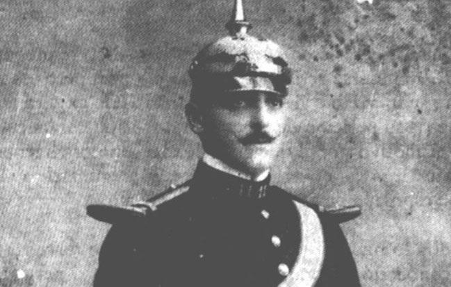 Le gouverneur de Clipperton, Ramon Arnaud, qui ne voulut pas quitter l'île et qui fut, à cause de son entêtement, à l'origine de la tragédie.
