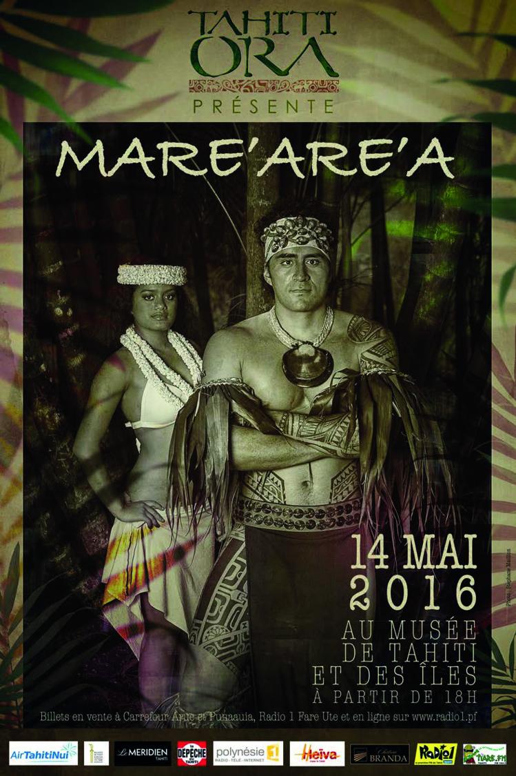 Sur cette affiche, dont la photo a été prise par Stéphane Maillon, nous pouvons reconnaître Lehia Mama et Aurai Atapo, deux artistes de Tahiti Ora.