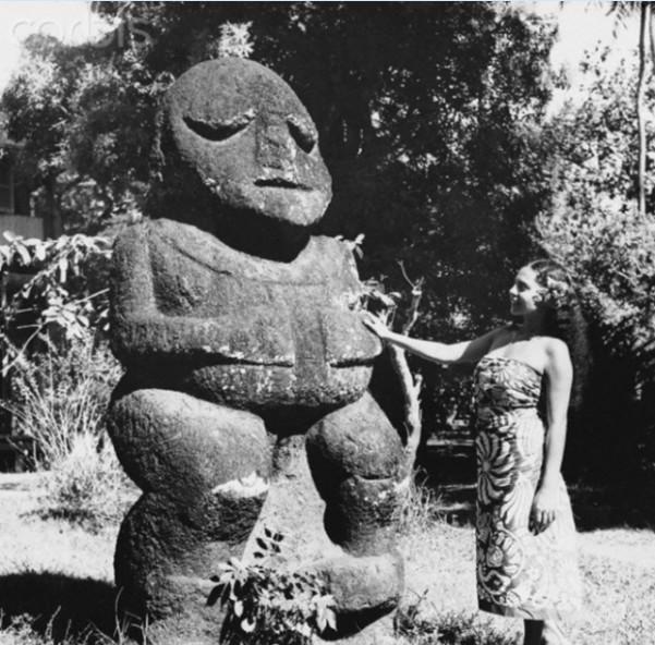 Le tiki Moana dans le jardin du musée à Mamao (Papeete)