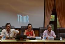 Aux côtés de Winiki Sage, le président du CESC, Tea Frogier la ministre de la solidarité accompagnée de Luc Tapeta, conseiller spécial du président Fritch chargé des travaux sur la réforme de la PSG II.