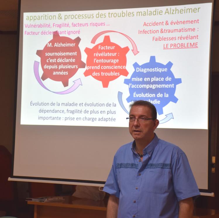 Frédéric Hibelot, formateur-consultant en géronto-proximologie à Nouméa s'intéressent à la maladie, au malade mais aussi à l'entourage. Crédit : Association Alzheimer Polynésie.