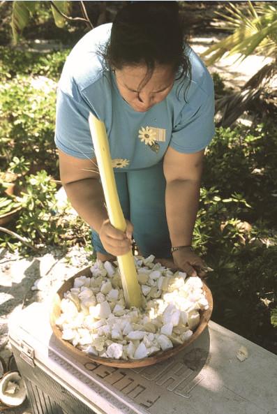 On broie le uto, on y ajoute de la farine