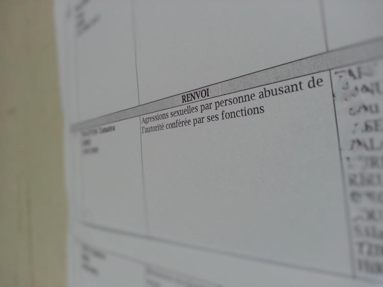 L'enseignant encourt de la prison ferme et une interdiction définitive d'exercer sa profession.