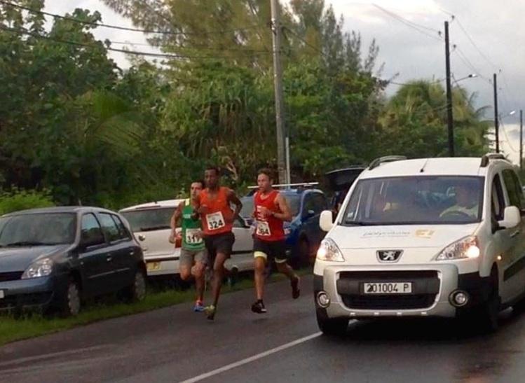 Semi-Marathon « Championnat de Polynésie » : Teiva Izal conserve son titre