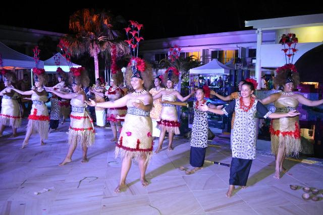 Les danseuses ont accueilli la délégation de façon traditionnelle