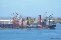 Dans le secteur de la manutention portuaire, désormais le temps de travail hebdomadaire pourra dépasser les 48 heures. Une dérogation annuelle sera à l'essai dès que la loi sera promulguée.