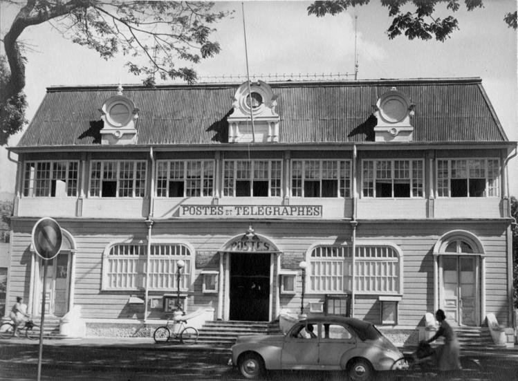 L'Hôtel des Postes et Télégraphes en 1920 (crédit de toutes les photos : OPT)
