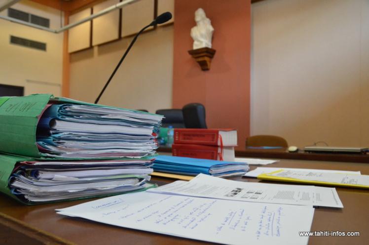 La deuxième session 2016 de la cour d'assises s'ouvre pour les trois prochaines semaines, au palais de justice de Papeete. Sur les sept dossiers au programme, trois seront instruits en audience publique.
