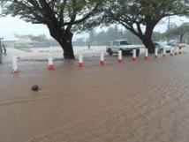 Fortes pluies et inondations à Uturoa (Photos Hotuarii Atani Facebook)