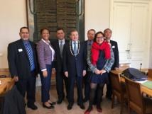 Ce mardi, la délégation polynésienne, accompagnée notamment par la sénatrice Lana Tetunaui, a rencontré le sénateur Philippe Bas, président de la commission des Lois.