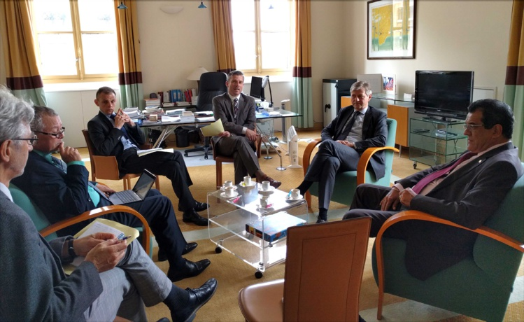 Edouard Fritch, mercredi, avec avec les responsables diplomatiques de l'Etat auprès de l'ONU.