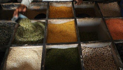 © AFP / Par Céline SERRAT | Une épicerie indienne à Allahabad, le 23 septembre 2009