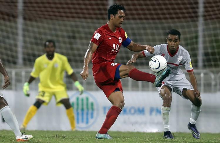Alvin Tehau a brillamment remplacé Nicolas Vallar dans le rôle de capitaine