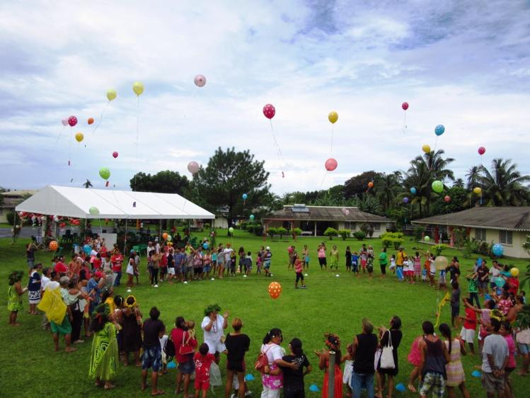 Lâcher de ballons lors de la récente Journée Frères & Sœurs au Village d'enfants SOS de Papara.