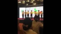 Chine: la fessée aux employés de banque non-performants indigne le web