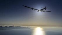Sous un soleil radieux, Solar Impulse 2 survole l'Atlantique pour rallier l'Europe