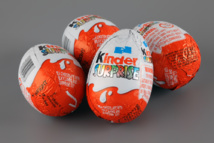 Inquiet face à la malbouffe, le Chili dit non au Kinder Surprise