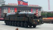 Corée du Nord: Kim qualifie l'essai de missiles de succès menaçant les bases américaines du Pacifique