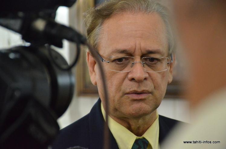 """Patrick Howell a exposé aux élus de l'assemblée le dispositif envisagé par ses services pour faire face à l'augmentation des cas de maladies sexuellement transmissibles dans la population polynésienne. Il parle d'un """"plan d'urgence"""" face à une """"crise sanitaire""""."""