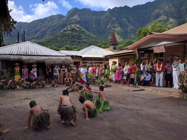 Une délégation du gouvernement et le haut-commissaire étaient présents pour l'inauguration du nouveau musée de Ua Huka.