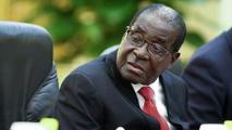 Zimbabwe : prison pour ne pas avoir laissé passer le convoi de Mugabe (médias)