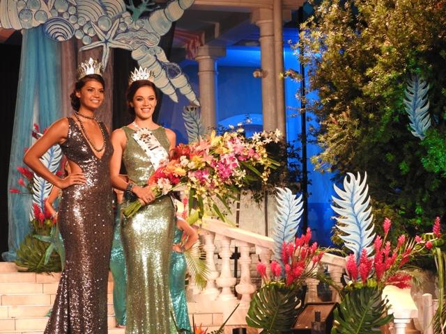 Vaimiti Teiefitu a remis sa couronne à Miss Tahiti 2016.
