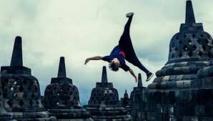 Indonésie: Red Bull s'excuse pour une publicité tournée dans un temple bouddhiste
