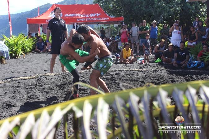 Lutte : Le « BeachWrestling » ne désemplit pas
