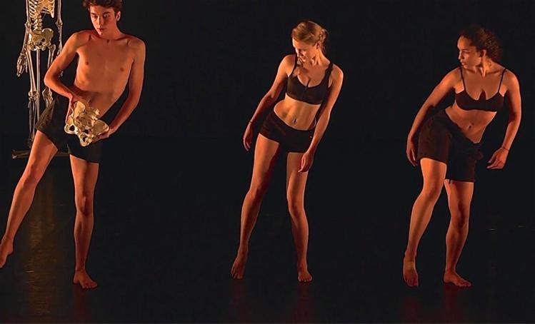 L'intérêt de cet enseignement est d'allier la danse et la santé.