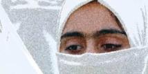 Indonésie: il s'évade de prison en hijab et maquillé