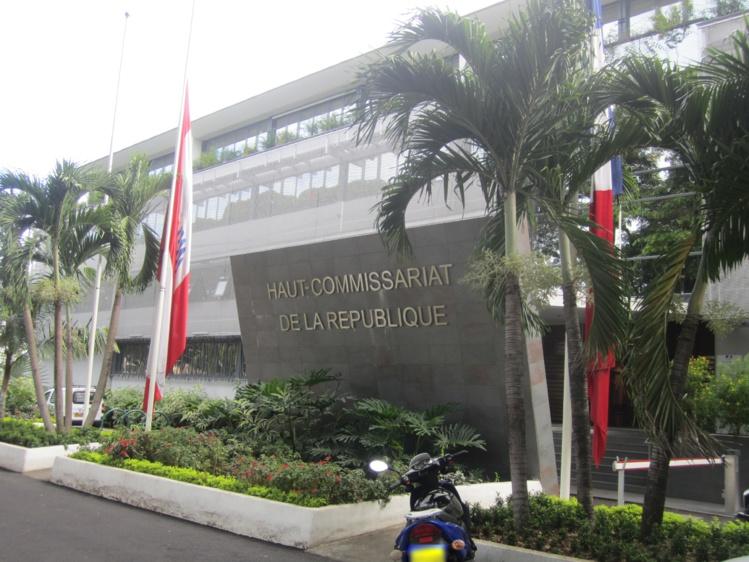 Mise en berne des drapeaux sur les édifices publics de l'Etat