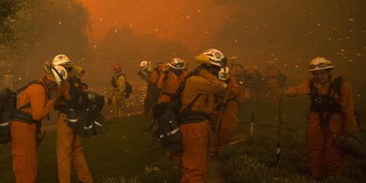 900 pompiers à pied d'oeuvre et seulement 10% de l'incendie maitrisé