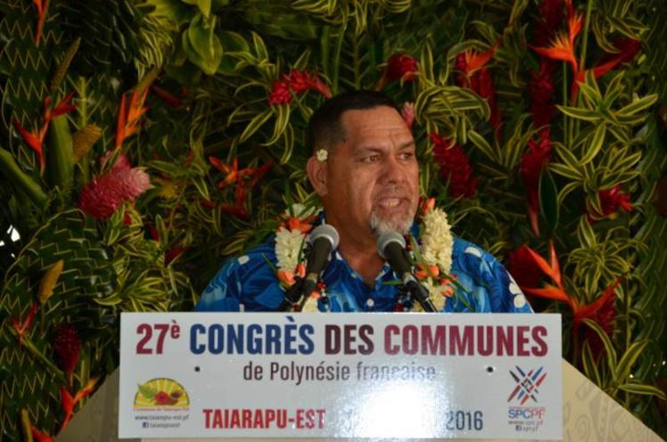 """""""La libre administration, c'est le fait pour nos conseils municipaux de définir eux-mêmes leurs priorités en matière de service à la population"""", a souligné Cyril Tetuanui, président du syndicat pour la promotion des communes."""