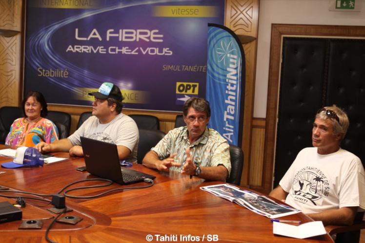 La conférence de presse a été menée par Pascal Luciani et Lionel Teihotu