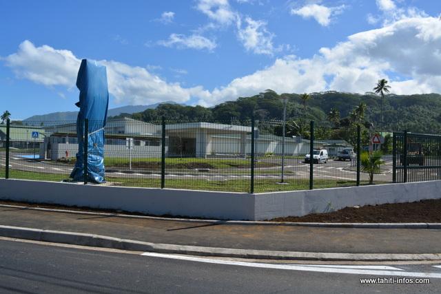 Ce nouvel établissement baptisé Tinomana Ebb, qui s'étend sur 6 000 m², pourra accueillir jusqu'à 600 élèves