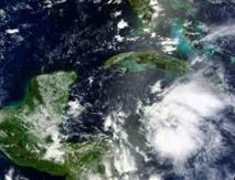 La tempête Earl devient un ouragan, menace l'Amérique centrale