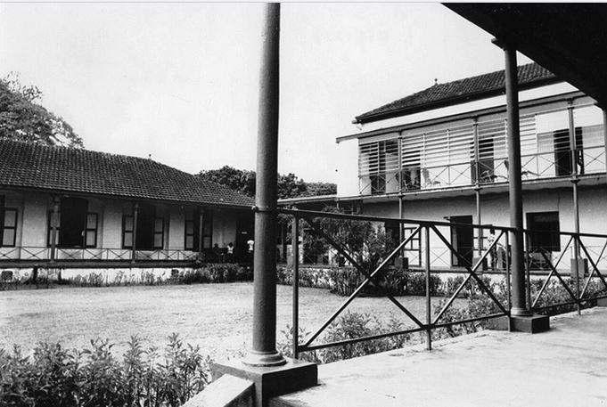 Cour de l'hôpital Vaiami en 1960