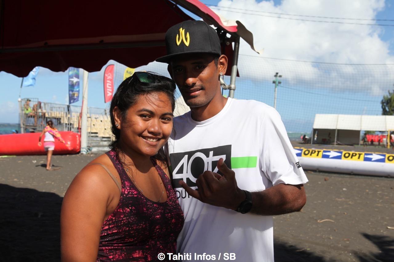 Le champion du monde de SUP était là lui aussi, Niuhiti Buillard et sa compagne