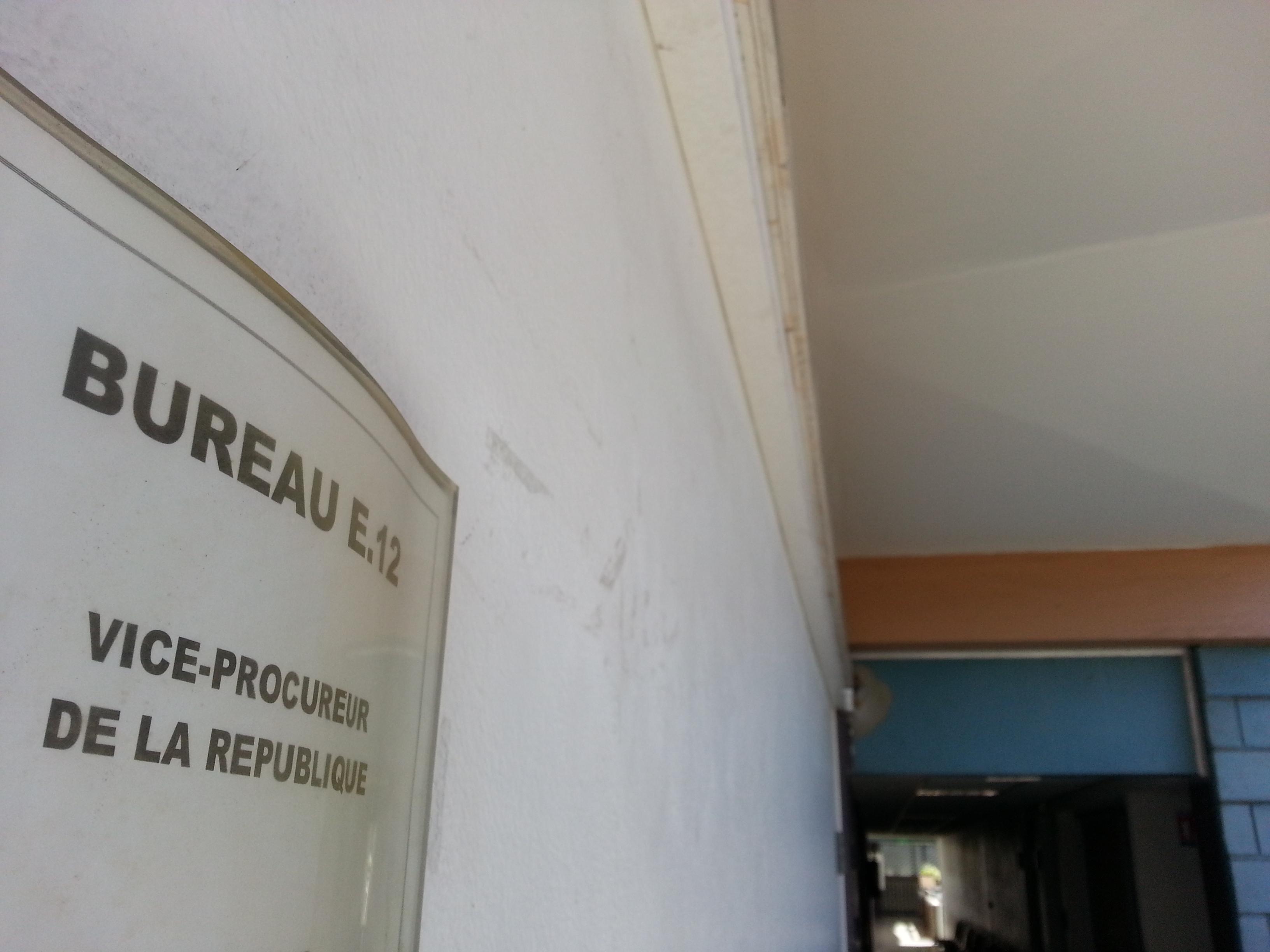 Punaauia : un SDF menace de tuer une famille au couteau
