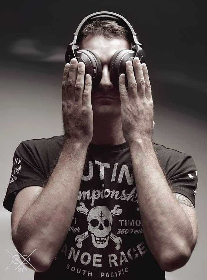 DJ Mr olSon mixera en première partie de soirée avant que le phénomène Møme ne déferle.
