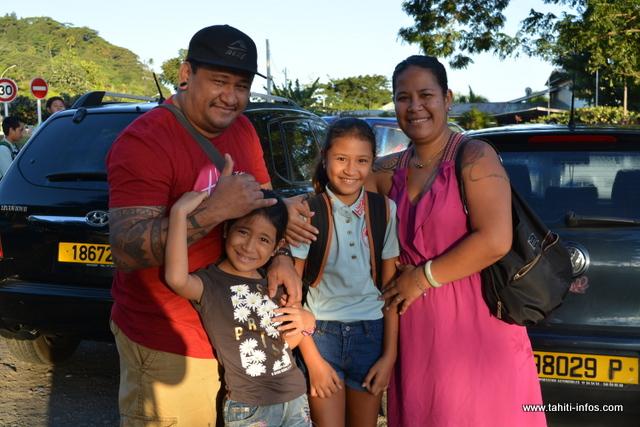 Vania, son mari et leurs enfants
