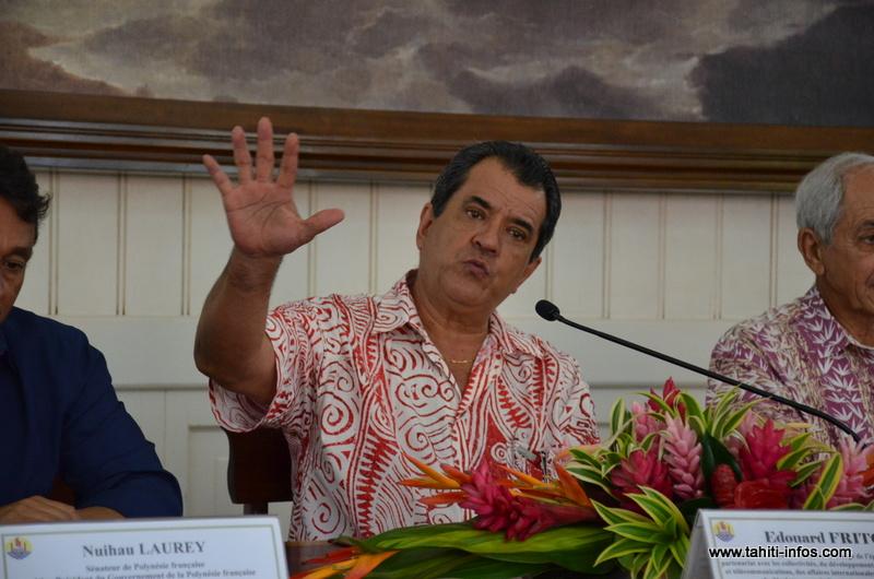 Fritch suspend 20 demandes de subventions municipales