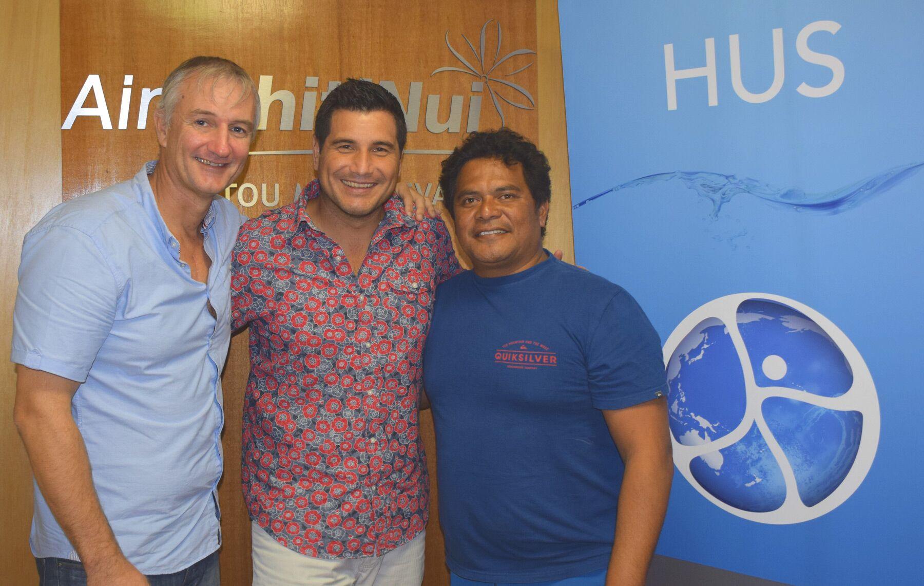 Olivier Archambaud (président de HUS, à gauche), Raimana Van Bastolaer (à droite) et Torea Colas (directeur adjoint communication d'ATN, au milieu)