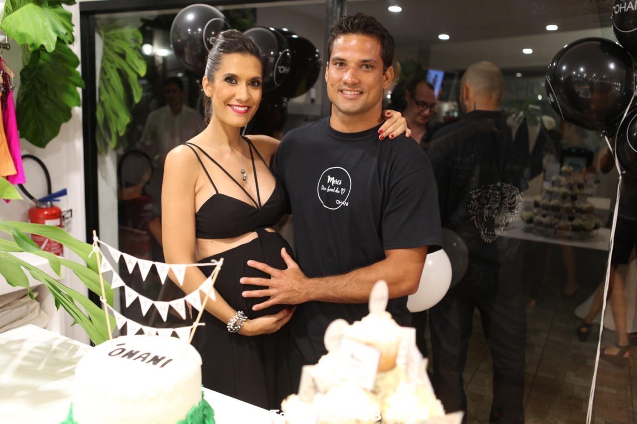 Michel avec Vaimiti lors de l'anniversaire de sa boutique Ohani