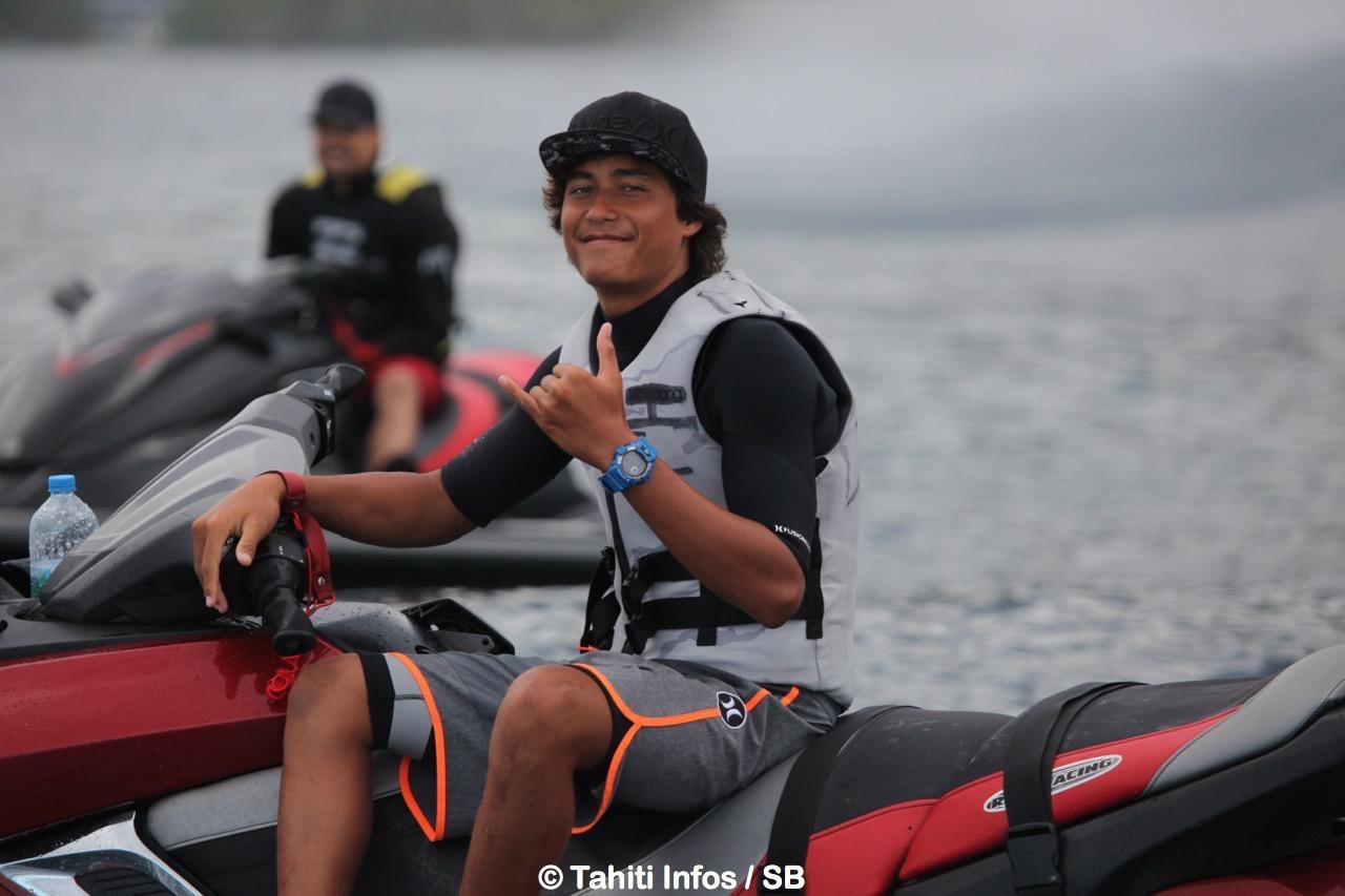 Matahi Drollet sera opposé à Nainoa David, un choc entre deux surfeurs de talent...