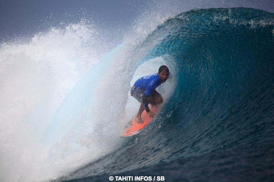 Bruno Santos a une nouvelle fois brillé à Teahupo'o
